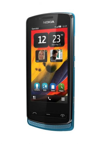Nokia_700_01
