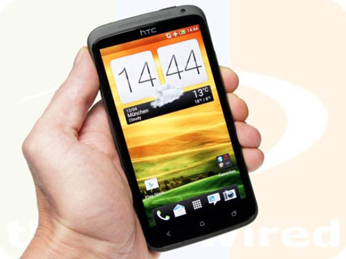 htc_one_x_hand_front-1