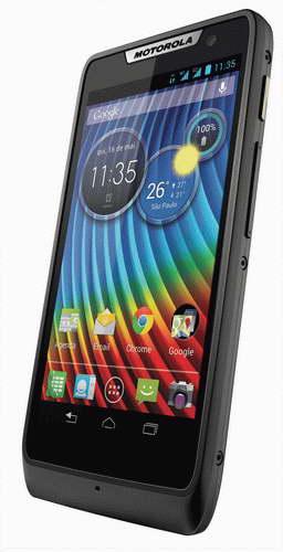 Motorola-RAZR-D3-smartphone-official-1