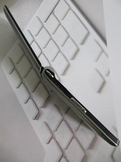 Качество исполнения Samsung  S3600i не вызывает опасений, аппарат надежен, отсутствует люфт частей  конструкции.
