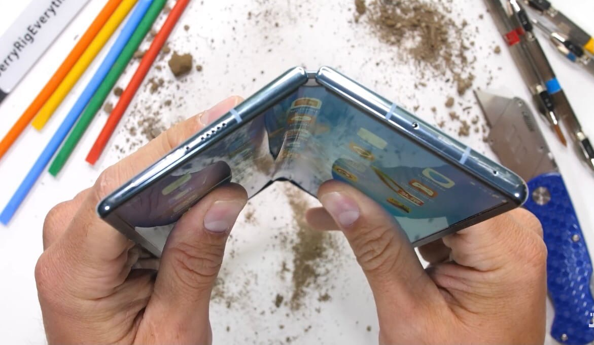Huawei Mate X2 удивил своей прочностью!