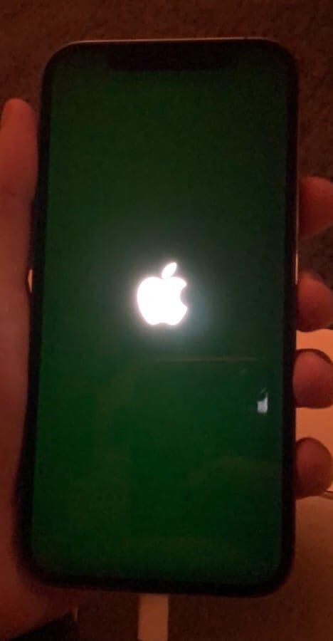 У iPhone 12 обнаружились проблемы с дисплеем.