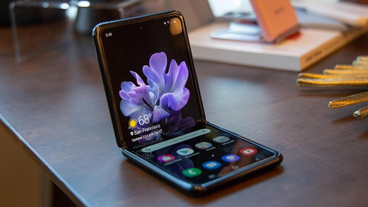 Всё что нужно знать о Samsung Galaxy Z Flip 5G.
